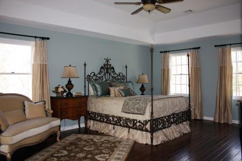 Красивая кованая кровать в стиле прованс
