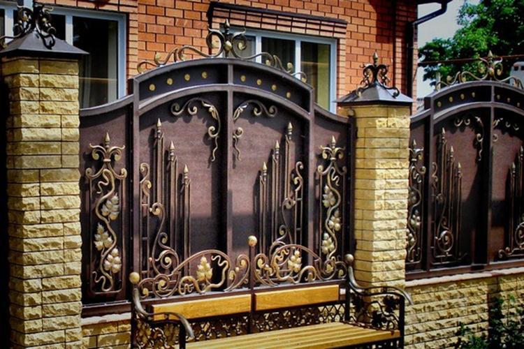 Кованый металлический забор в Херсоне