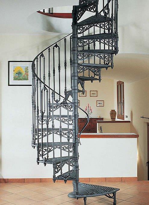 Полностью кованая металлическая винтовая лестница
