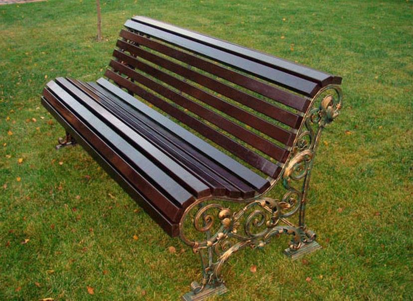 Кованая скамейка на заказ в Херсоне