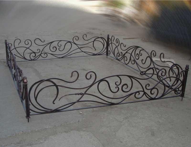 Кованые и сварные ограды для кладбища на заказ в Херсоне