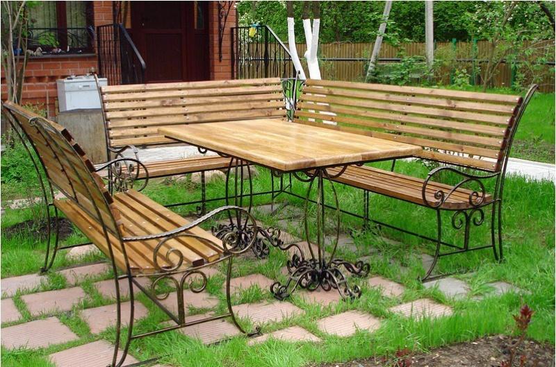 Кованые лавки и столы на заказ для баров кафе и ресторанов на заказ в Херсоне