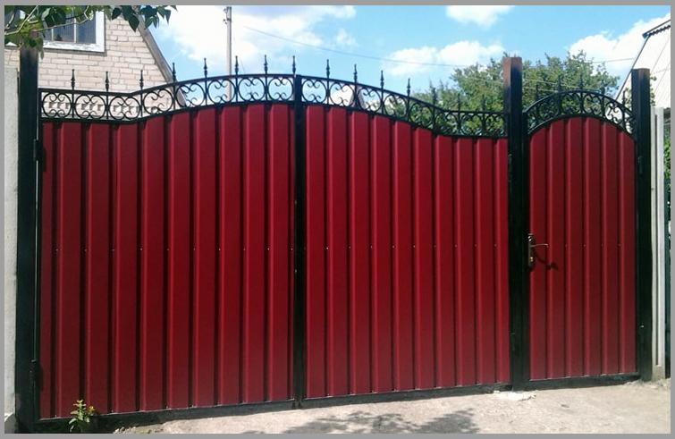 Мастера по изготовлению и монтажу ворот из профнастила в Херсоне