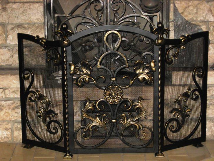 Кованая металлическая каминная решетка на заказ в Херсоне