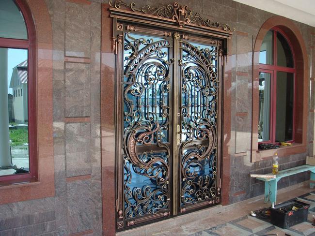 Кованые двери заказать в Херсоне