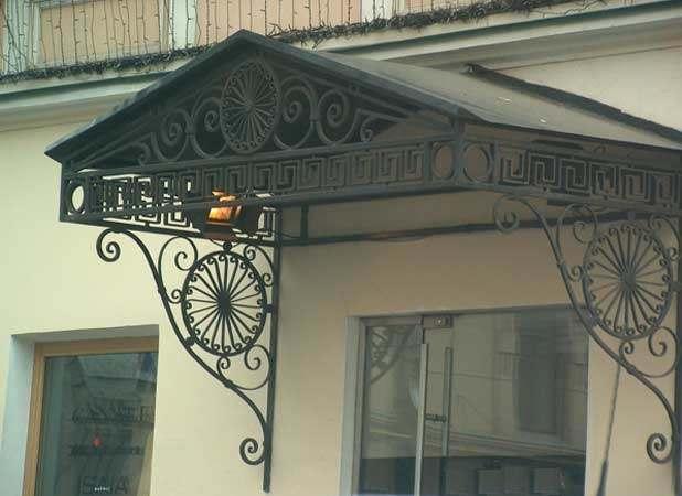 Производство кованых козырьков в Херсоне на заказ