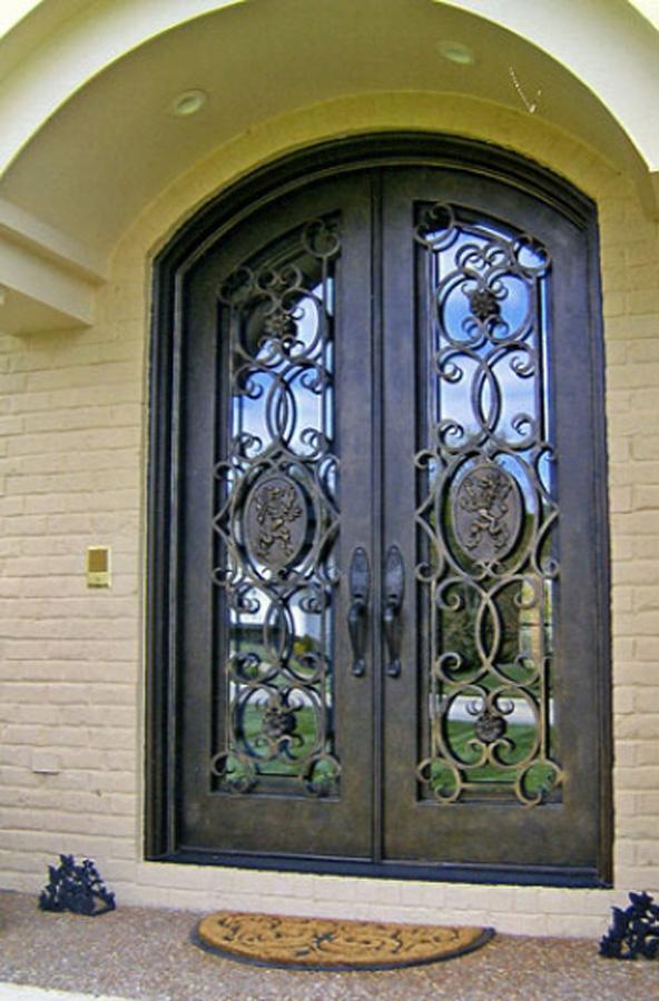 Производство и продажа кованых дверей в Херсоне